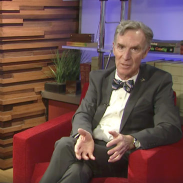"Bill Nye ""The Science Guy"" Joins Bernie Sanders for a Facebook Live Chat on Climate Change"